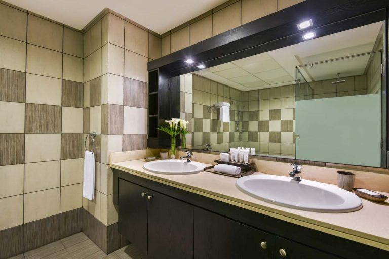 2 bedroom apartment_bathroom