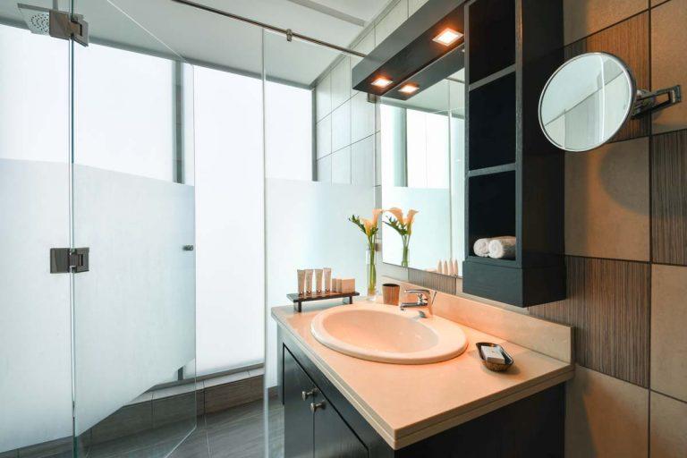 3 bedroom apartment_bathroom 2