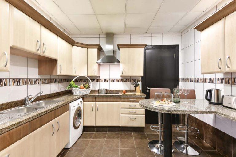 3 bedroom apartment_kitchen web