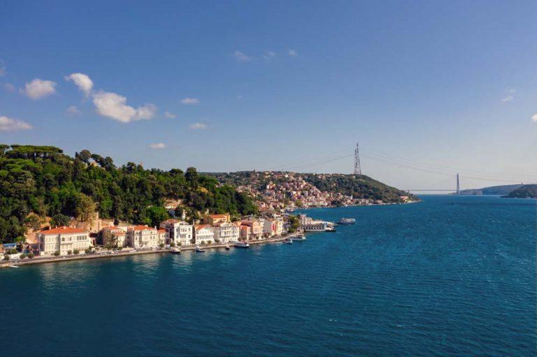 Aerial_view_of_Bosphorus_[8714-ORIGINAL]